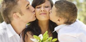0 0 heart mothersday_shutterstock_167778515 (94)